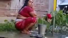 Indian Sexy Mature Wife Rides on White Dick (new)
