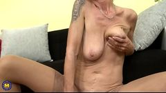 Naughty GILF Irenka feeding her hairy hungry pussy - SlutCams.xyz